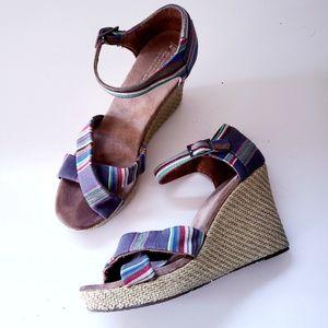 TOMS   Summery striped wedge sandals 9W